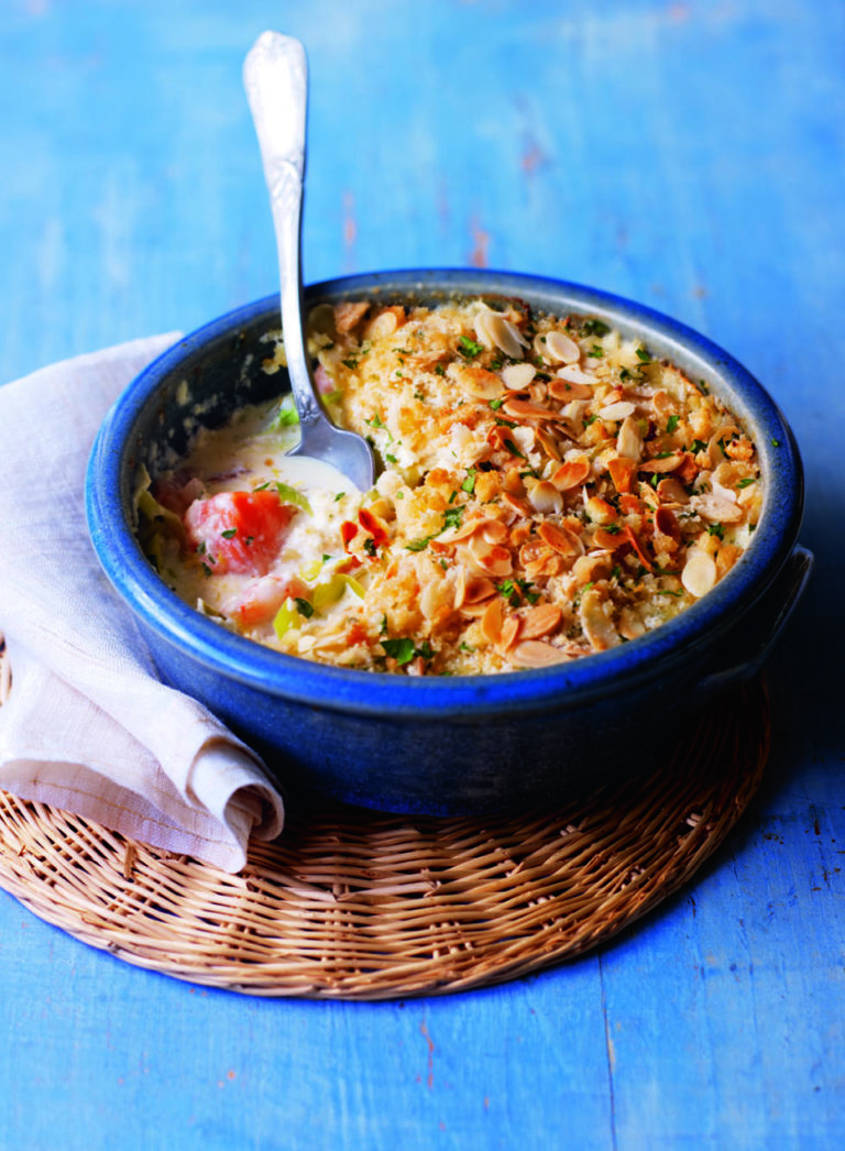Fish pie with almonds
