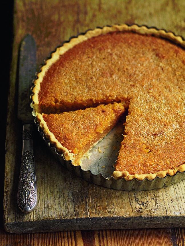 Classic treacle tart