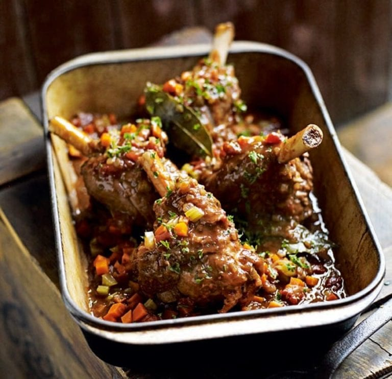 Braised lamb shanks with red wine, tomato and vinegar