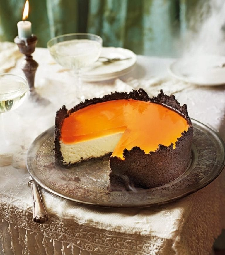 Orange cheesecake with oreo crust and Aperol spritz