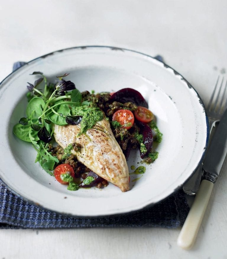 Pan-fried mackerel with pesto, beetroot and lentils