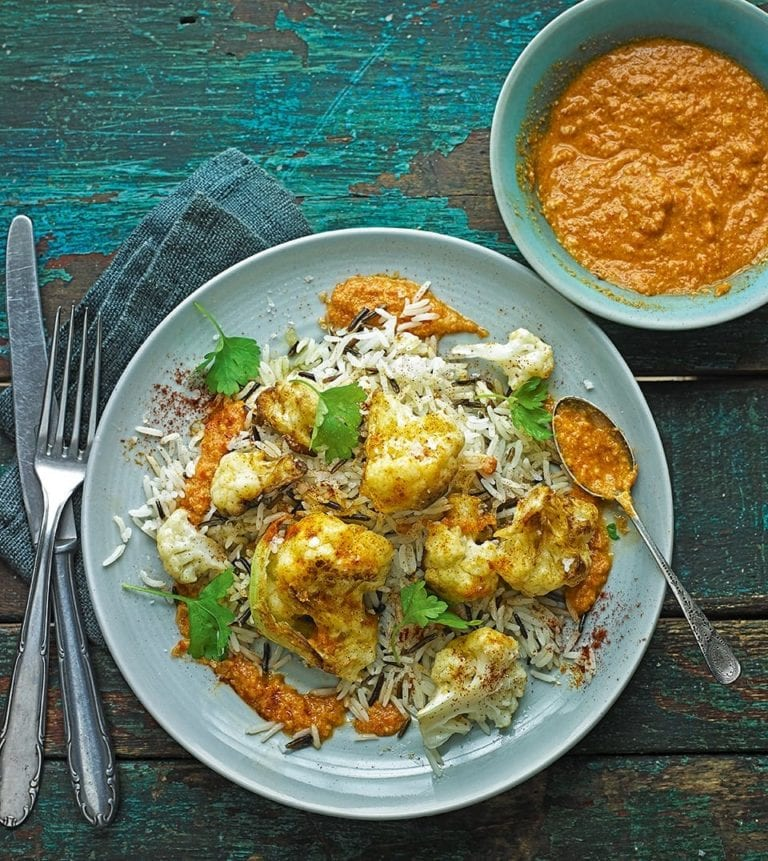 Crispy cauliflower florets with romesco sauce and rice