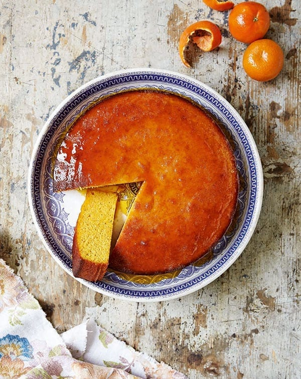 Sticky clementine cake