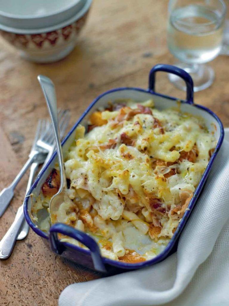 Squash, macaroni and Parma ham bake