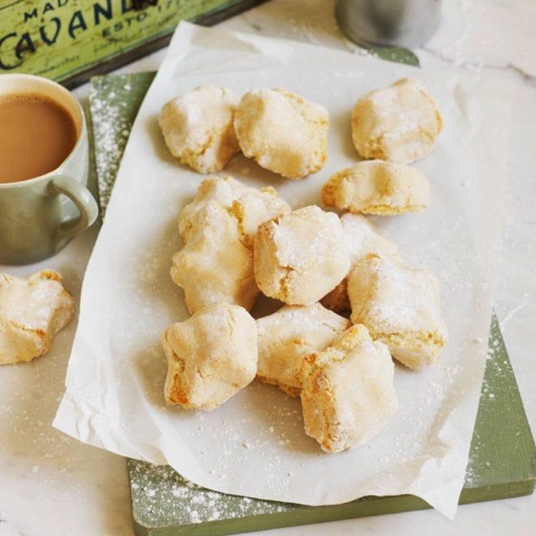 Ricciarelli biscuits