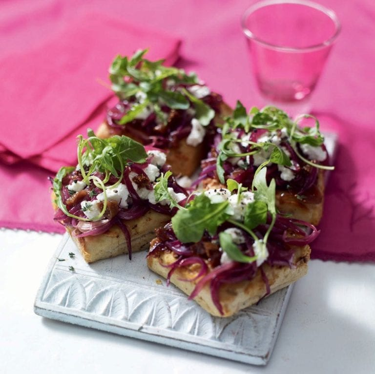 Fig and goat's cheese pissaladière with rocket