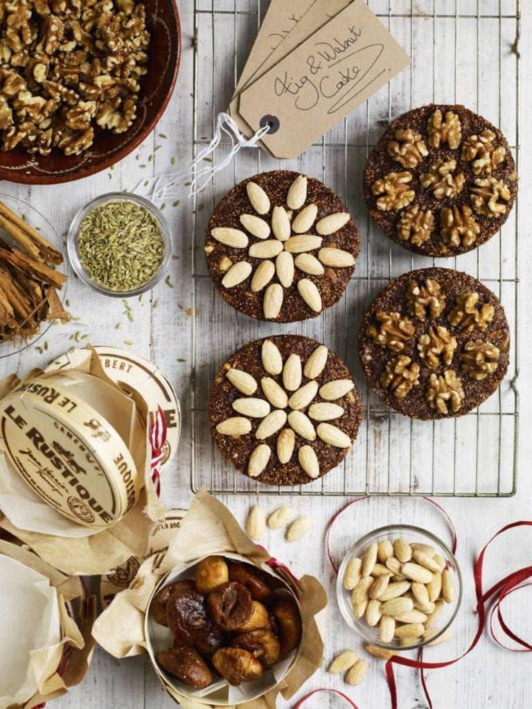 Fig and nut cakes