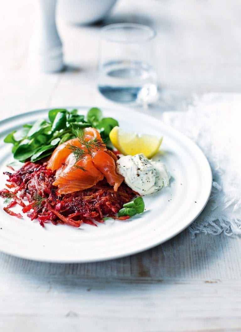 Smoked salmon with beetroot parsnip rösti