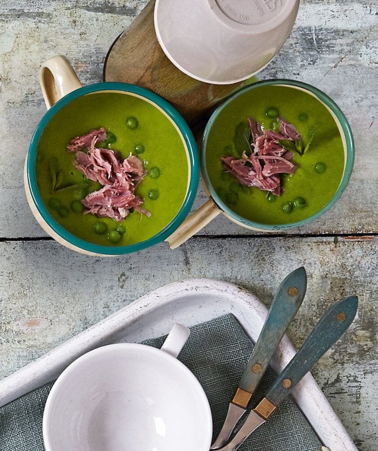 Ham and green pea soup