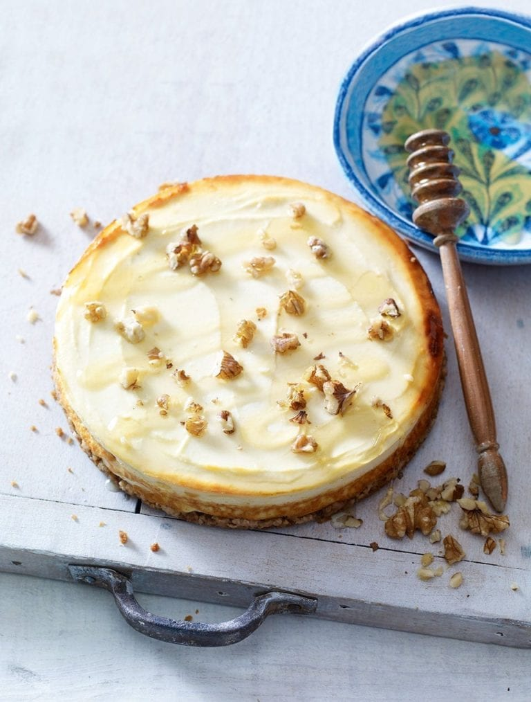 Baked yogurt cheesecake