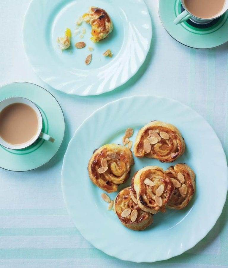 Apricot pastry whirls