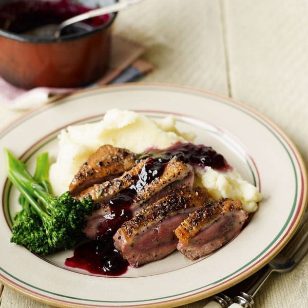 Quick peppered duck and blackcurrant sauce