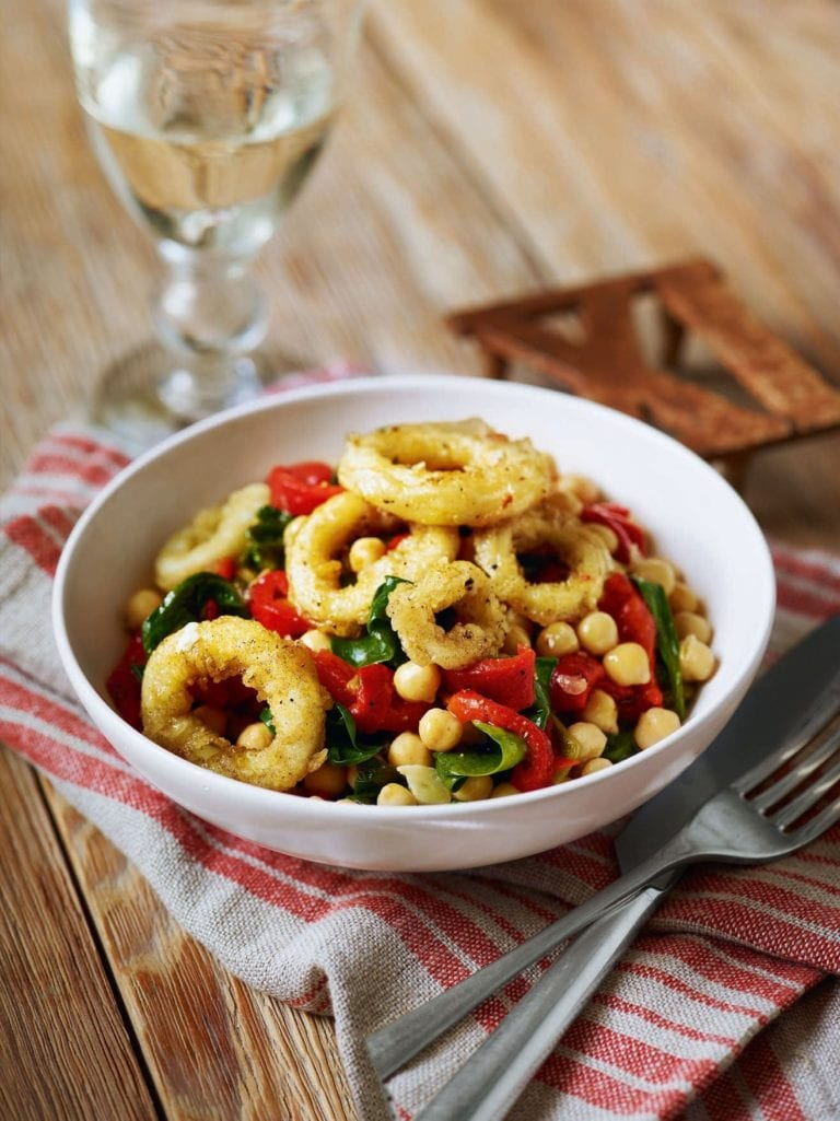 Pan-fried squid with spinach, red peppers and chickpeas