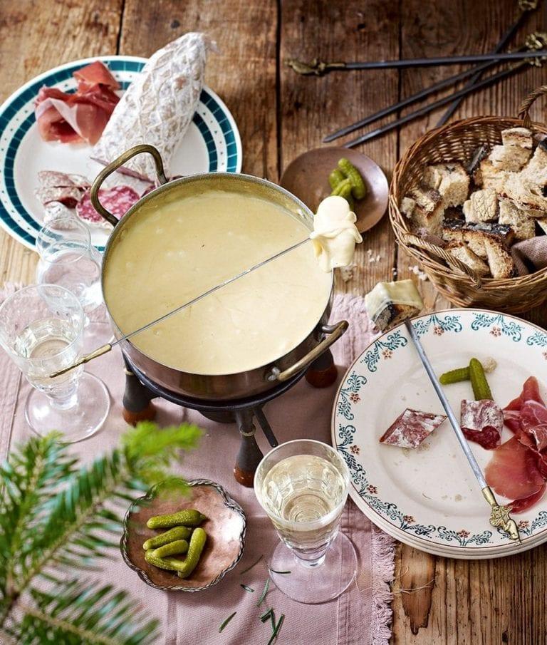 Savoyard cheese fondue