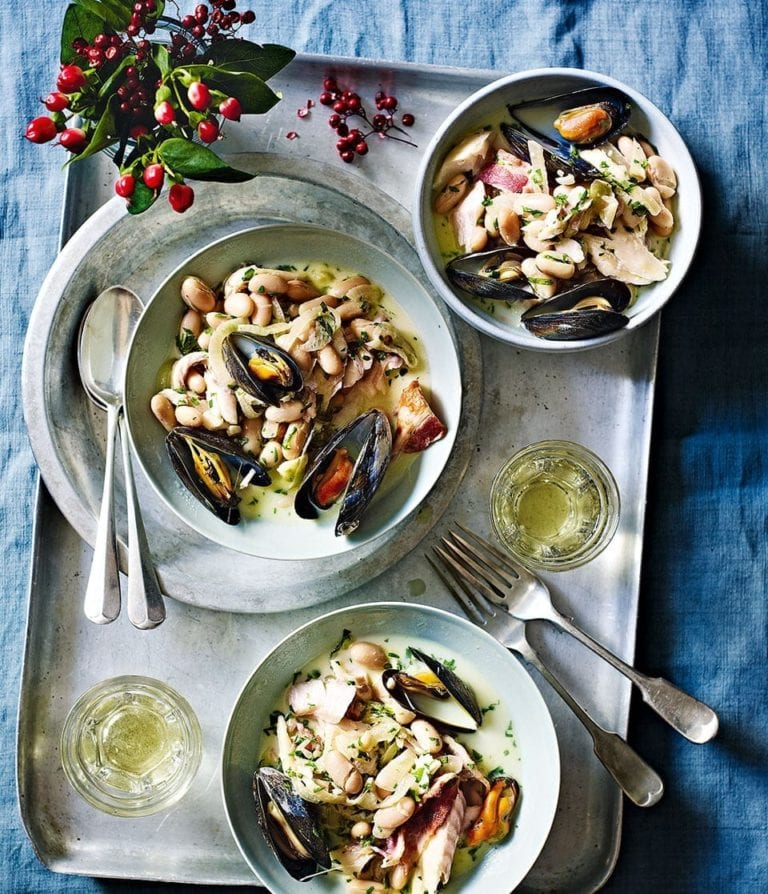 Smoked haddock with mussels, bacon and cannellini beans
