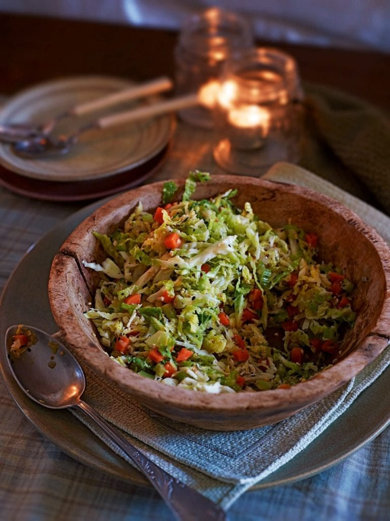 Savoy cabbage with oatmeal