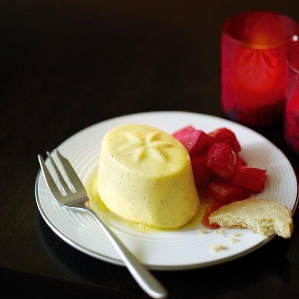 Vanilla pannacotta with rhubarb