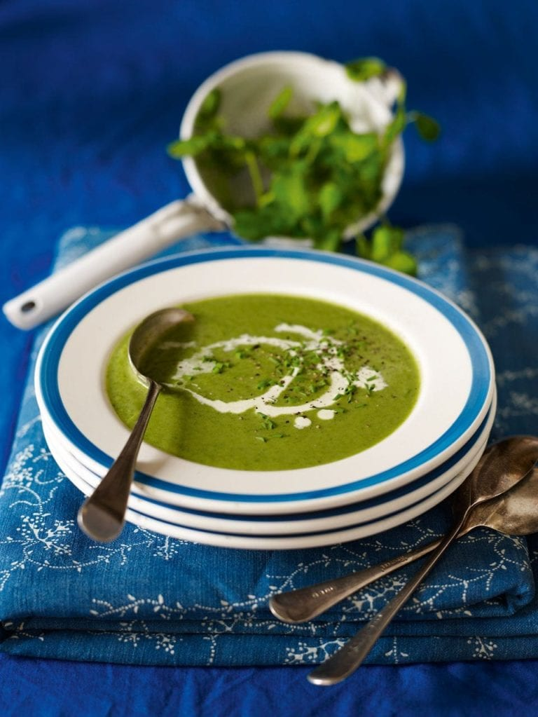 Spinach, watercress and pea soup