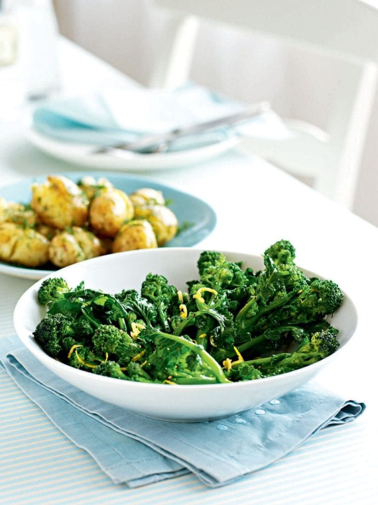 Sprouting broccoli with lemon