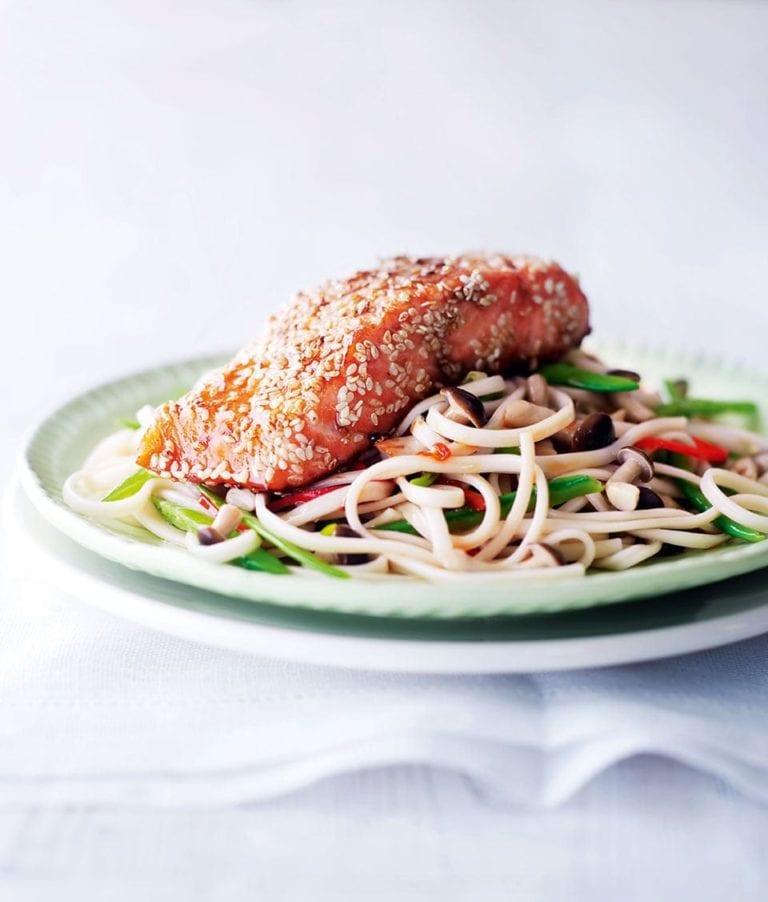 Sesame salmon noodles