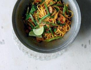 Broccoli and mushroom sweet chilli noodles