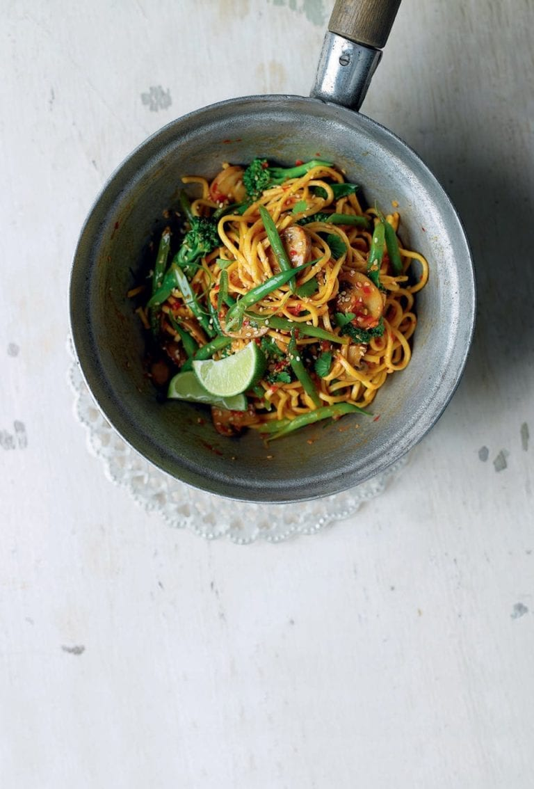 Broccoli and mushroom sweet chilli noodles
