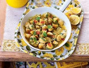 Creamy spiced potato and spinach curry