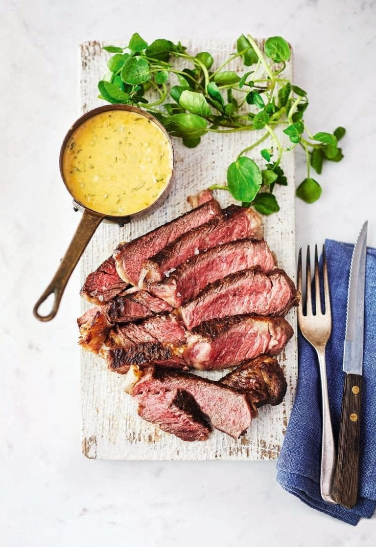 Boneless rib-eye steak with béarnaise sauce