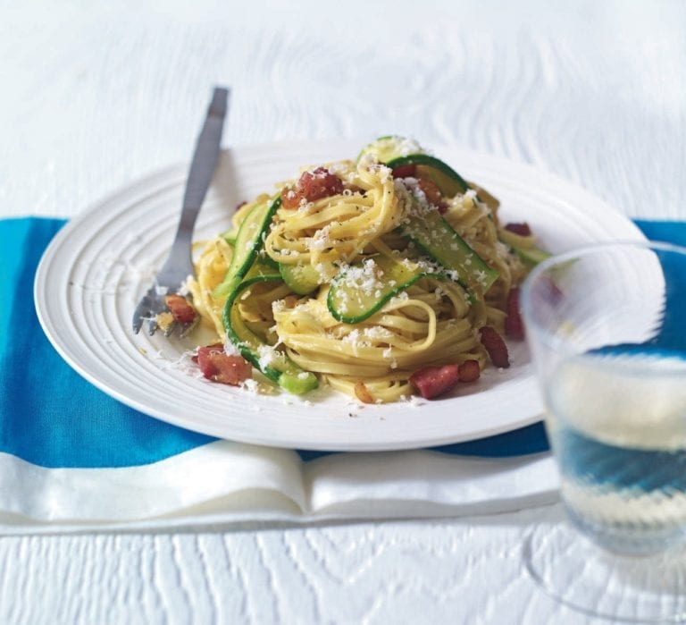Quick linguine carbonara with courgette and bacon