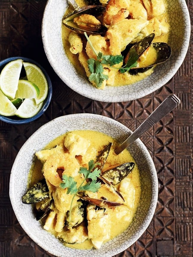 Quick Thai yellow fish curry
