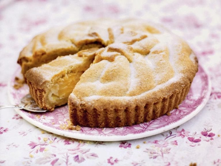 Deep apple pie