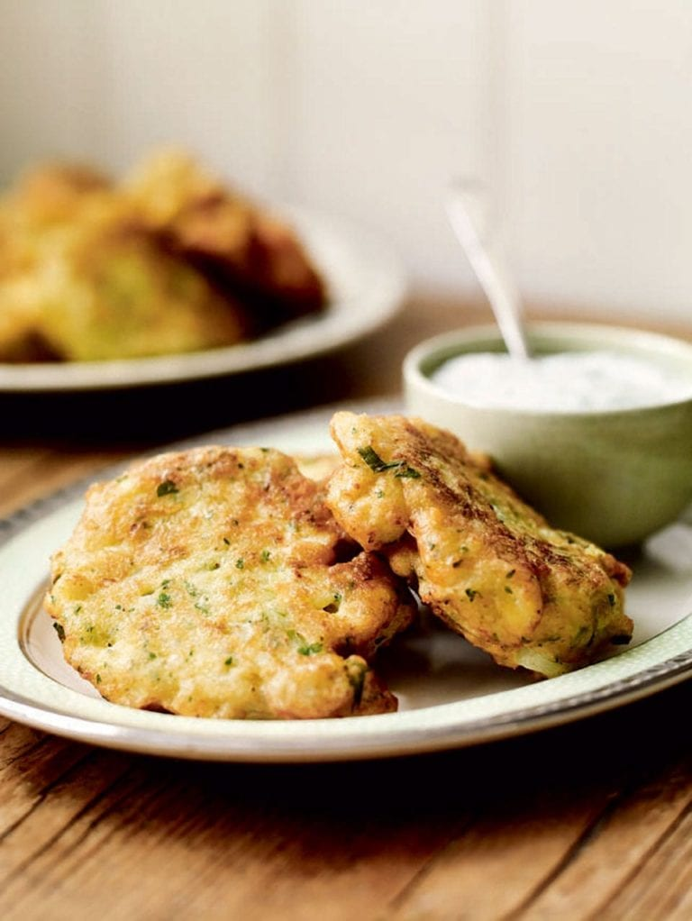 Cheese and cauliflower fritters with yogurt dip