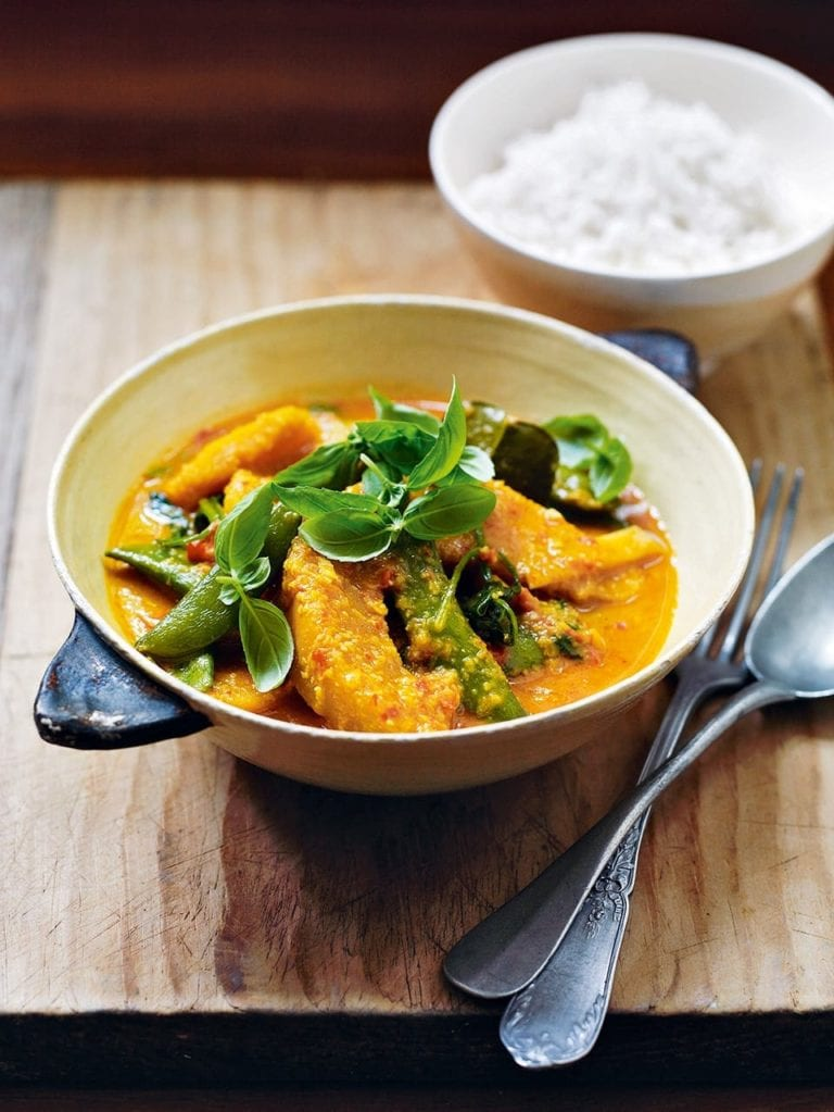 Thai red squash and spinach curry