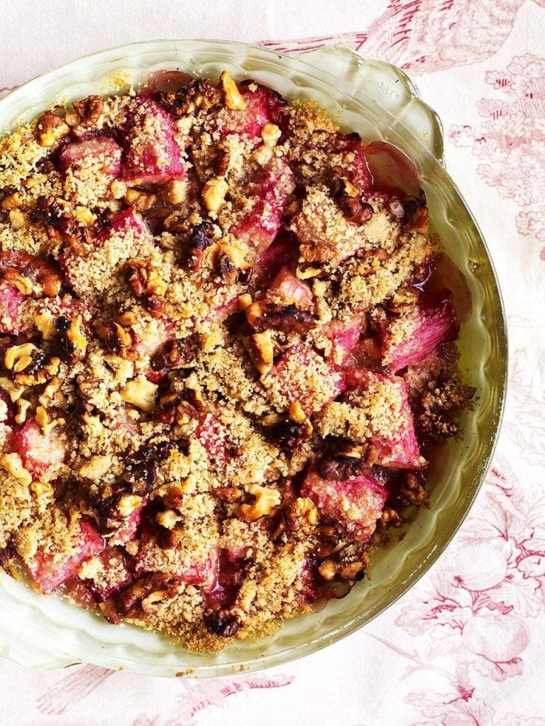 Rhubarb and walnut crumble