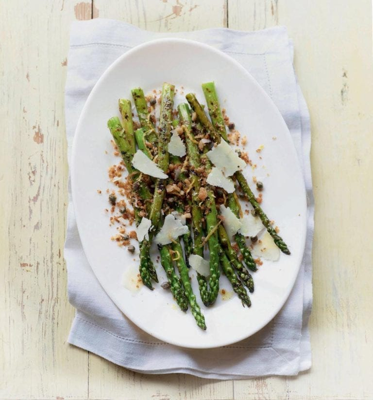 Chargrilled asparagus with parmesan and breadcrumbs