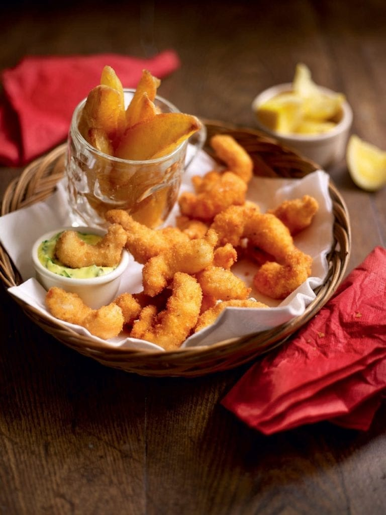 Scampi with chips and tartare sauce