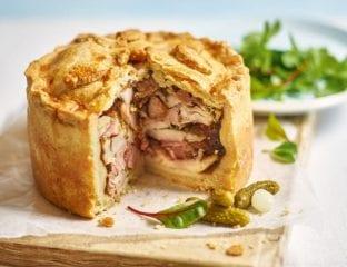 Chicken and smoked ham pie