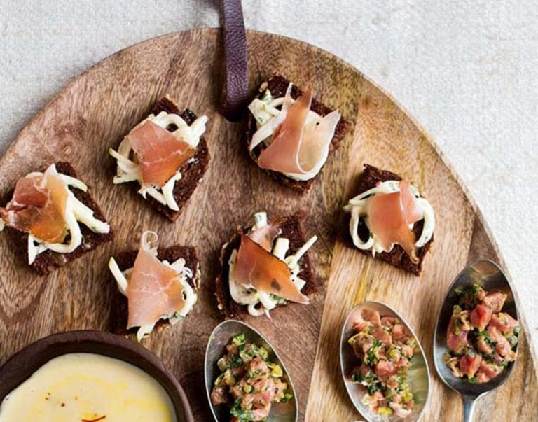 Speck with apple remoulade on pumpernickel squares
