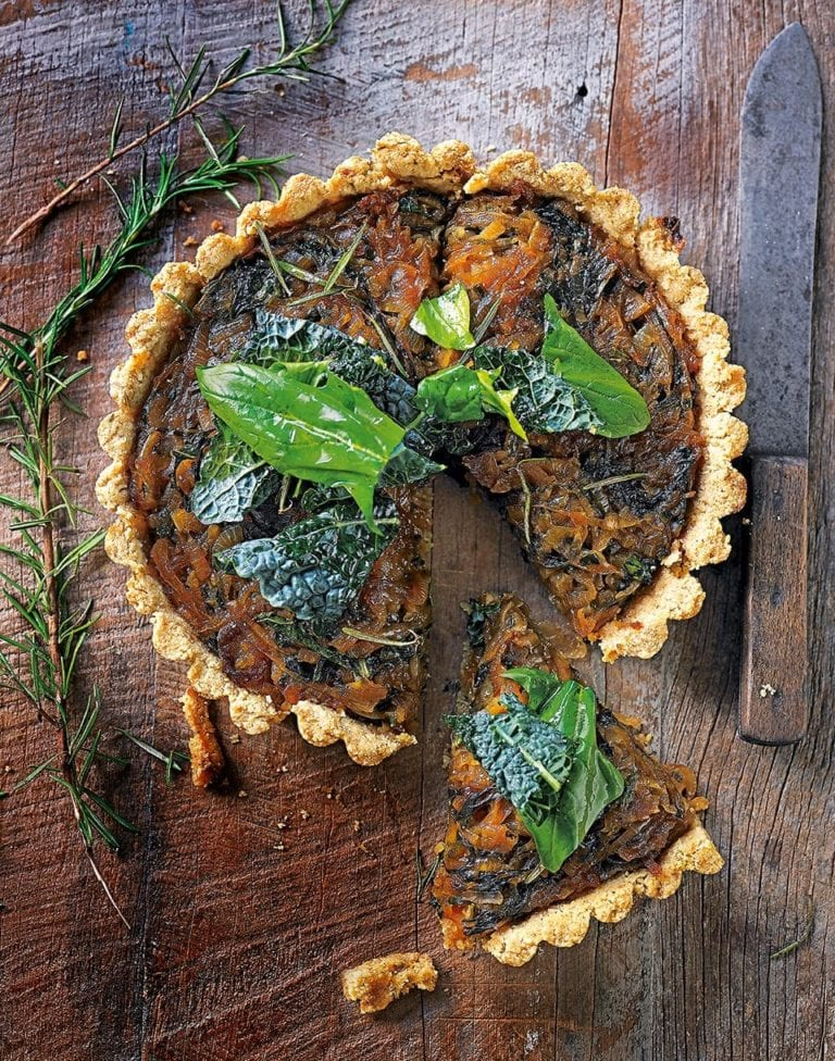 Vegan caramelised onion tart