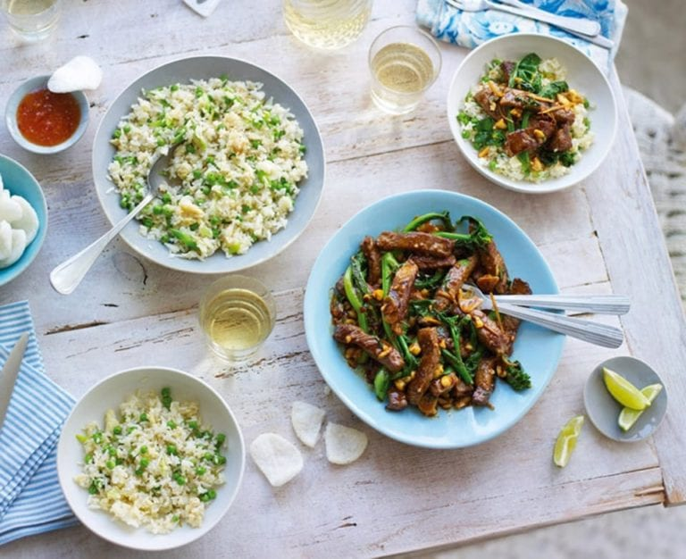 Stir-fried beef with broccoli and cashew nuts