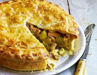 Roast chicken, ham and leek pie
