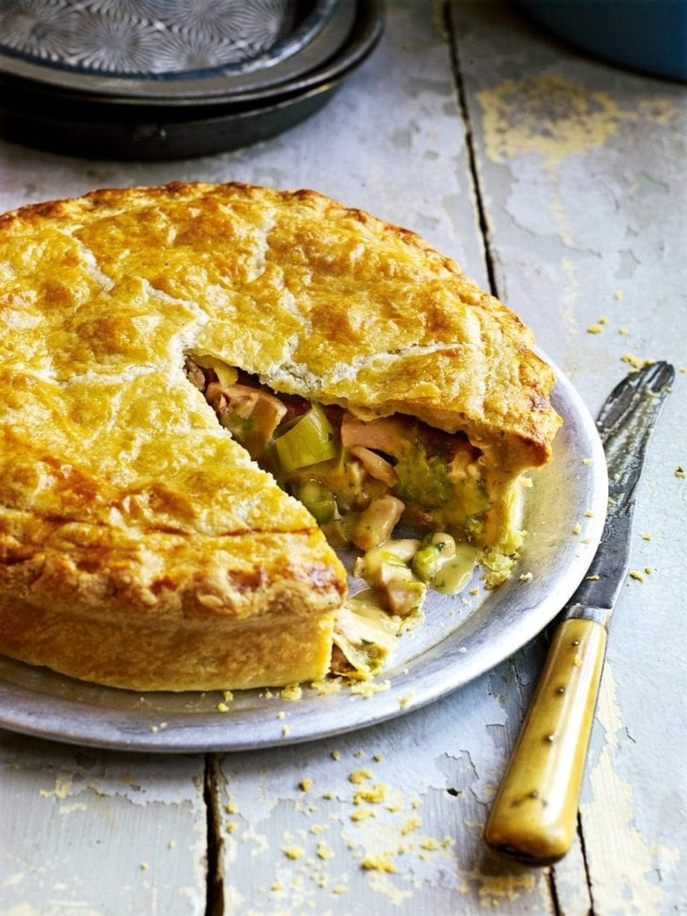Roast chicken, ham and leek pie