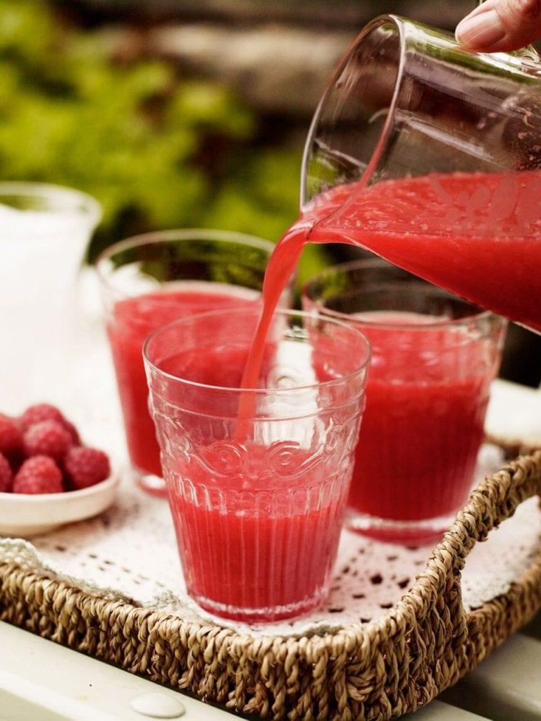 Fresh raspberry and lemon fizz