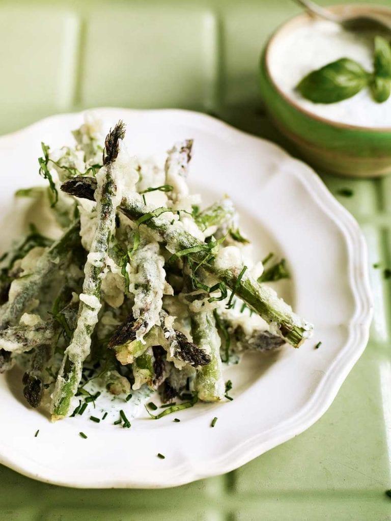Asparagus tempura with garlic and herb sauce