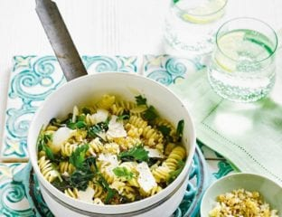 Spinach and garlic fusilli with crispy breadcrumbs