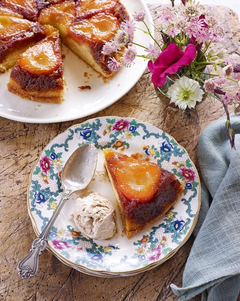 Upside-down pear cake with cinnamon ice cream