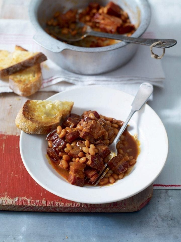 Smoky baked beans and bacon