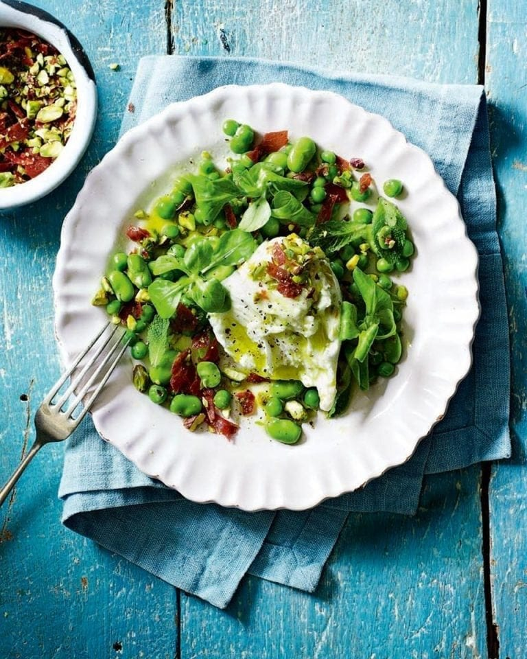 Broad beans, peas with mozzarella and parma ham crumble