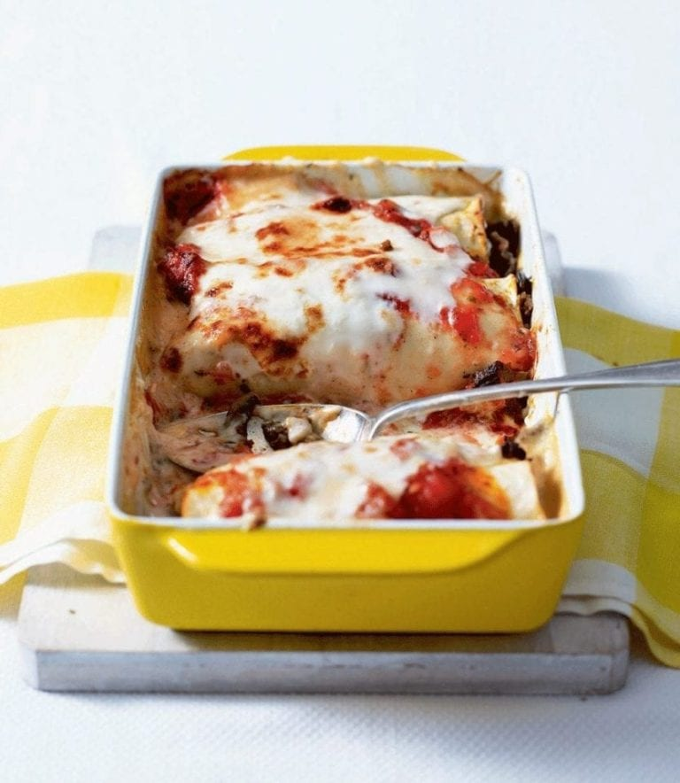 Baked beef and mushroom cannelloni