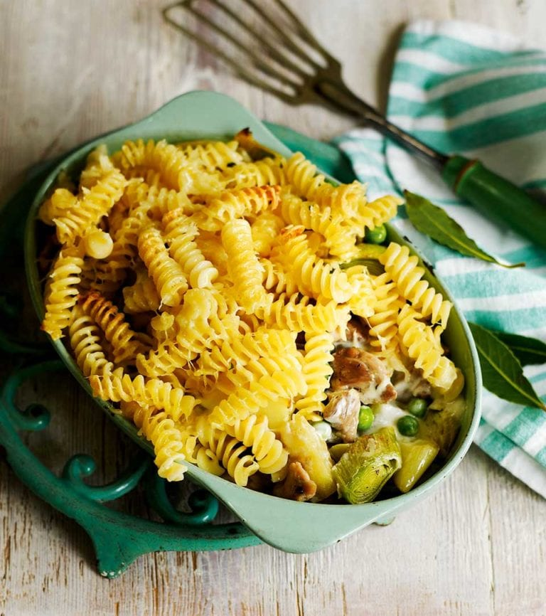 Roasted chicken and leek fusilli pie